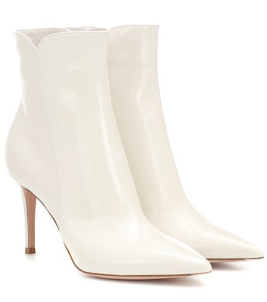 Gianvito Rossi Levy 85 leather ankle boots in white