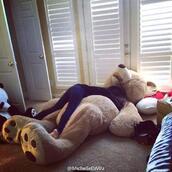 phone cover,underwear,big teddy bear,teddy bear,bear,stuffed animal,bag,home accessory,teddy,xxl,giant teddy bear,top,where do i get this bear