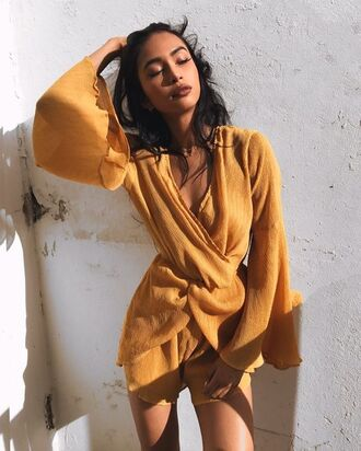 dress sleeve short dress fashion hot sun tropical funny girl lipstick instagram tumblr model chic cute yellow wind australia bengali gal pretty love fancy casual mustard mustard yellow dress long sleeve dress beach dress