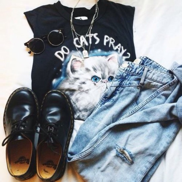 t-shirt cats cute black and white cat shirt shoes black shoes flats trendy classy coat
