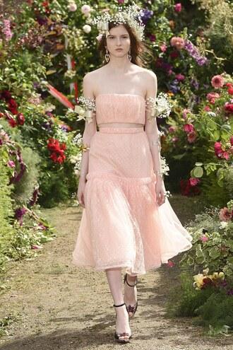 skirt top bandeau rodarte fashion week 2017 paris fashion week 2017 peach peach top sandals runway crop tops midi skirt lace
