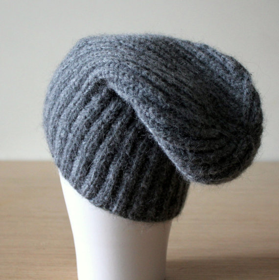 05214957776 Knitted hat in Grey