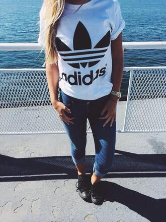 t-shirt adidas tumblr t-shirt girl style streetstyle white t-shirt sneakers streetwear