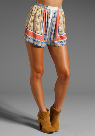 Styles I love: MAURIE & EVE Bowie Short in Borderline at Revolve Clothing -... - Socialbliss