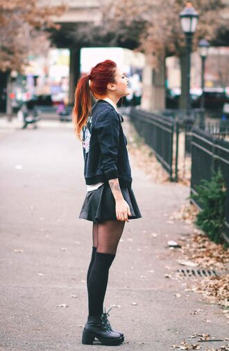 le happy blogger grunge mini skirt leather skirt baseball jacket knee high socks jacket t-shirt skirt socks shoes spring jacket