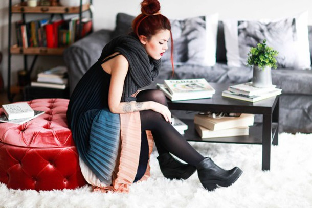 le happy blogger dress sweater ombre chunky boots knitwear