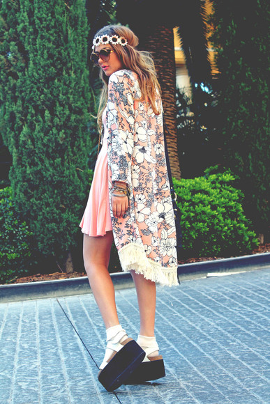 platform shoes fated to be hated blogger jewels headband sunglasses cardigan boho kimono floral