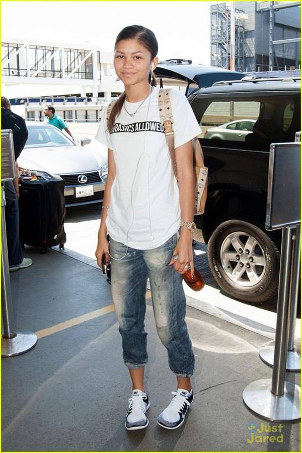 t-shirt zendaya swag jeans shoes