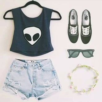 t-shirt top crop tops green green top alien alien grunge grunge pale pastel tumblr outfit tumblr outfit shorts jewelery flowers flower crown sunglasses vans green vans shoes
