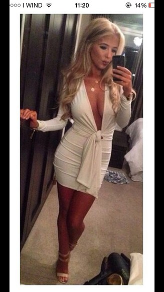 white dress sexy tight dress fitted dress cute dress short dress bodycon dress party dress jewels curvy night out night dress blonde hair party slim fit v neck dress v neck heels tanned tanned girl selfie