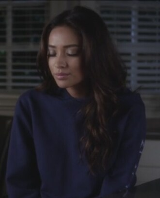 emily fields shay mitchell pretty little liars