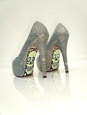 skull heels,skull,glitter,rhinestones,silver,shoes
