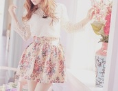 skirt,clothes,model,pretty,floral,flowers,white,cream,pink,blouse,girl,life,love,beautiful,outfit,brand,buy,vase,celebrity,steal,splurge,women,necklace,dainty,graceful,elegant,lady,gentlelady,vintage