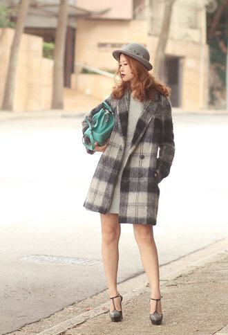 mellow mayo blogger grey hat wool coat
