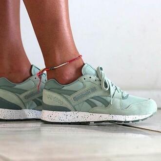 shoes reebok sneakers green khaki