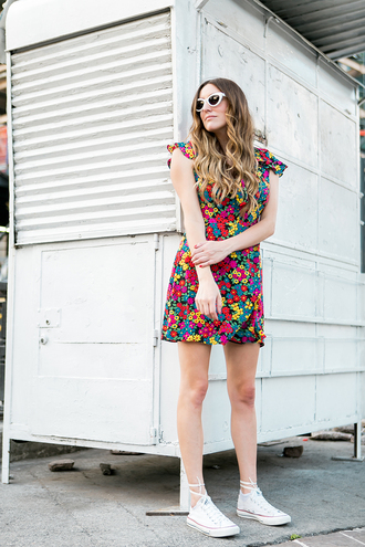 dress white converse tumblr mini dress floral floral dress summer dress summer outfits converse sneakers white sneakers sunglasses shoes