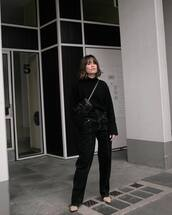 pants,black pants,heel boots,crossbody bag,black sweater,turtleneck sweater