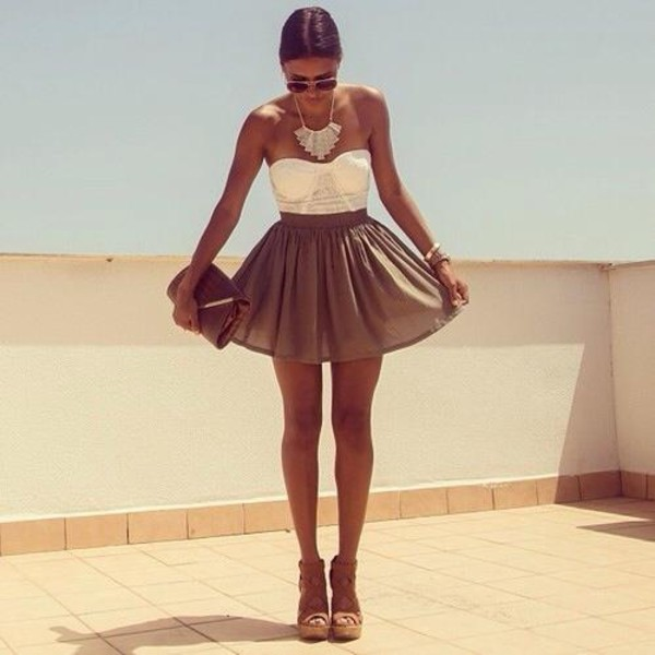 dress white brown shoes jewels elegance beautiful dress brun t-shirt summer sun beach lovely skirt