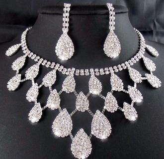 jewels diamonds statement necklace fashion
