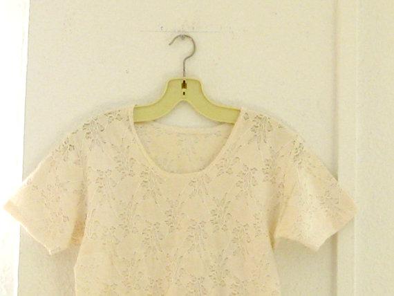 Vintage lace semisheer blouse  cream / off white par thisisclothing