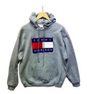 sweater,tommy hilnigga,sweatshirt,grey,gray sweatshirt,hoodie,finding,tommy hilfiger,grey sweater