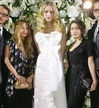 olsen sisters scarf blogger wedding dress skull