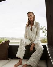 pajamas,white pajamas