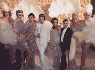 dress gown prom gown prom dress kardashians keeping up with the kardashians kylie jenner kendall and kylie jenner kendall jenner kourtney kardashian kris jenner kim kardashian khloe kardashian