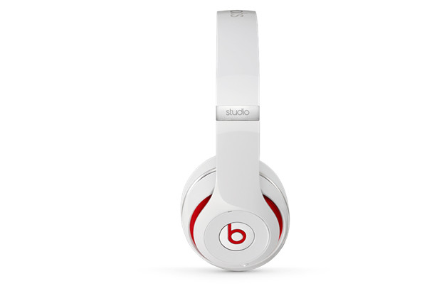 earphones beats by dre black friday deals