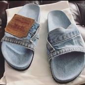 shoes,flip-flops,denim,jeans,levi's,blue,blue jeans,denim jacket,sandals,black