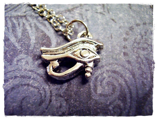Silver eye of horus necklace  silver pewter by evelynmaecreations