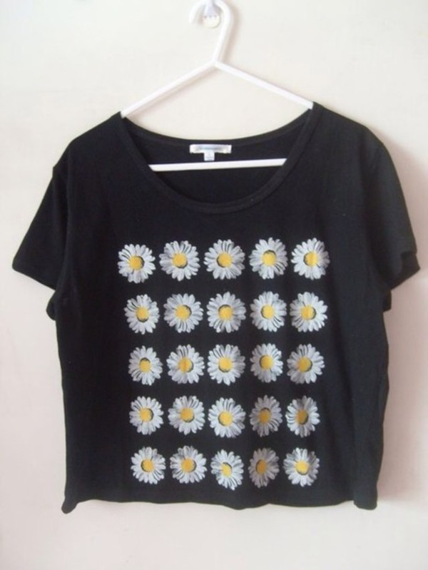 t-shirt black top flowers daisy paquerette crop tops