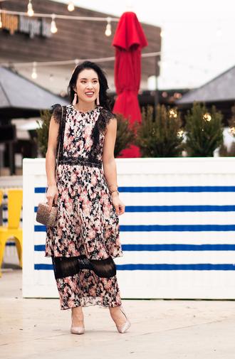 cute & little blogger dress maxi dress bag pumps