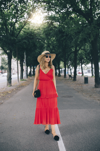dress black shoes hat tumblr midi dress red dress slip dress shoes sun hat bag summer dress summer outfits sunglasses