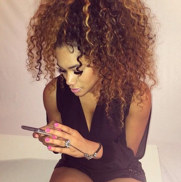 dress curly hair