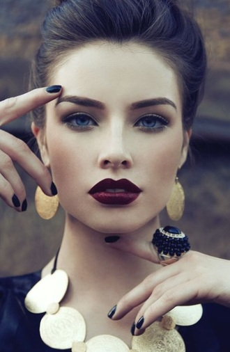 make-up lipstick red cherry wine dark red rouge rouge a levres sombre this rouge à lèvre? lips matte lipstick face makeup dark red lipstick airbrushed foundation