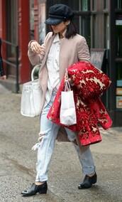 jeans,boyfriend jeans,vanessa hudgens,flats,hat,shoes