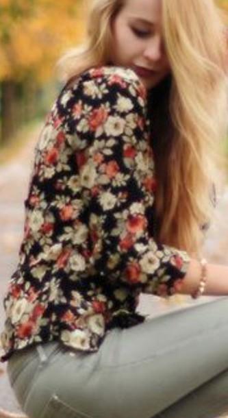 blouse chemisier fleurie manche noir et blanc rouge