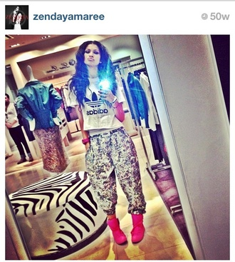 pants big silver shinny pants grey harlem pants zendaya crop bottom shoes t-shirt
