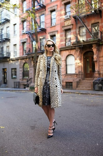 blogger sunglasses bag dress animal print atlantic pacific black heels coat