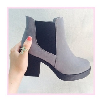 shoes vagabond boots winter outfits grey black chelsea boots mid heel boots