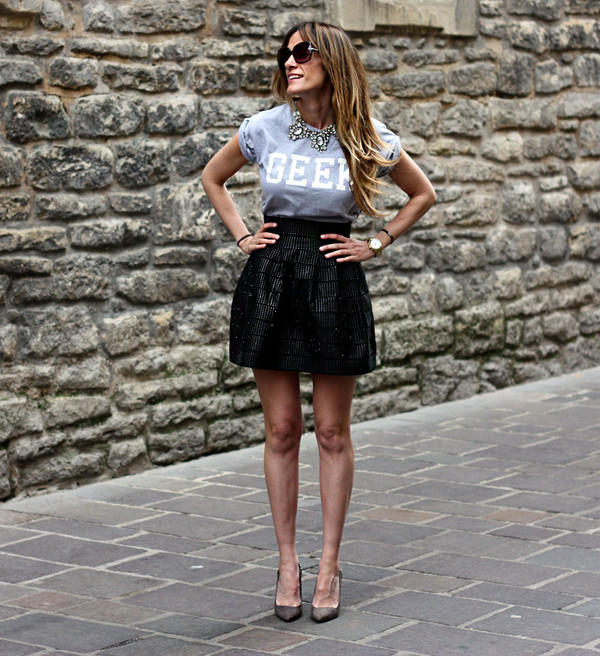 rebel attitude skirt t-shirt jewels bag blouse