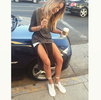 skirt cropped trendy clothes white sneakers chloe flash tattoos