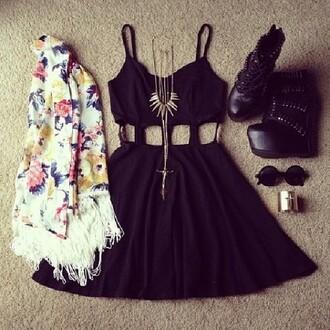 dress jacket jewels sunglasses shoes black black dress cut-out skater skater dress little black dress cut-out dress summer dress black cutout dress cardigan