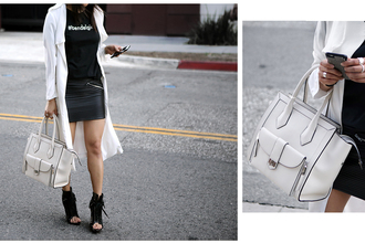 theversastyle blogger bag skirt top handbag mini skirt black t-shirt white coat
