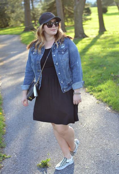 mommyinheels blogger jacket dress shoes hat sunglasses bag