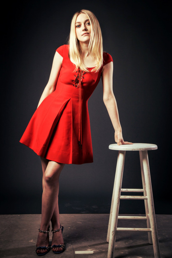 Shoes: dress sandals dakota fanning red dress - Wheretoget