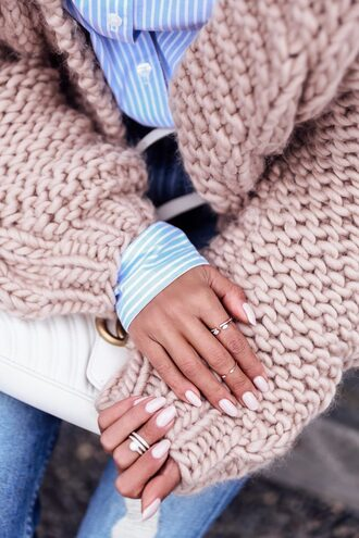 jewels pink cardigan tumblr knuckle ring ring silver ring jewelry silver jewelry nail polish nails white nails cardigan chunky knit