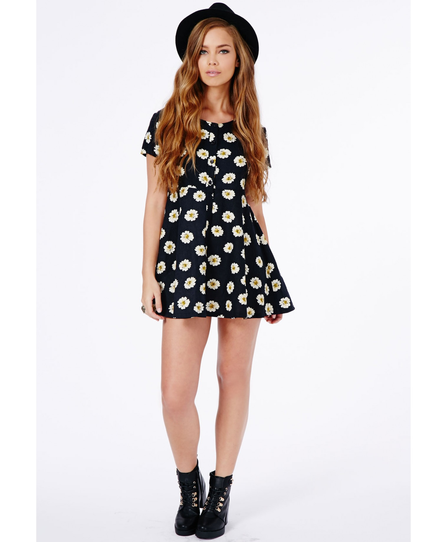 Missguided - Demi Daisy Skater Shirt Dress