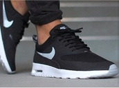 shoes,menswear,nikr,nike running shoes,nike air,nike shoes,shorts,black and whit